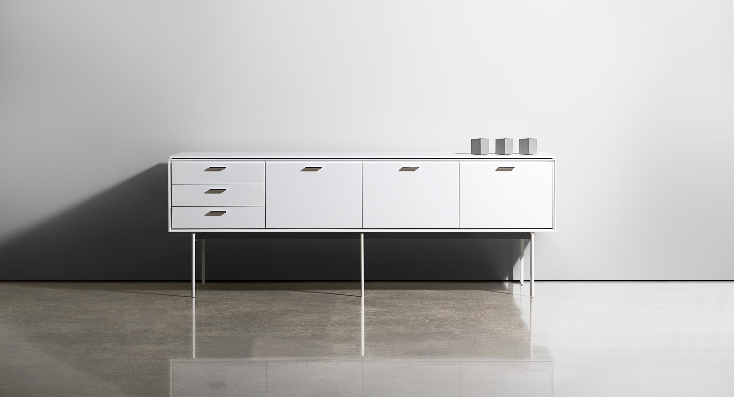 Halo's elegant design supports a complete and flexible system to meet all of your storage needs.