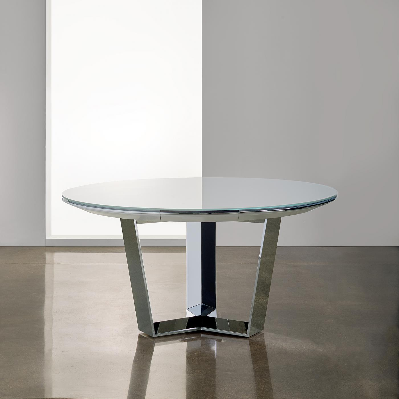 Beautiful and functional, the Mesa Triad table is thoughtfully-engineered with cabling cleanly concealed within the metal base.