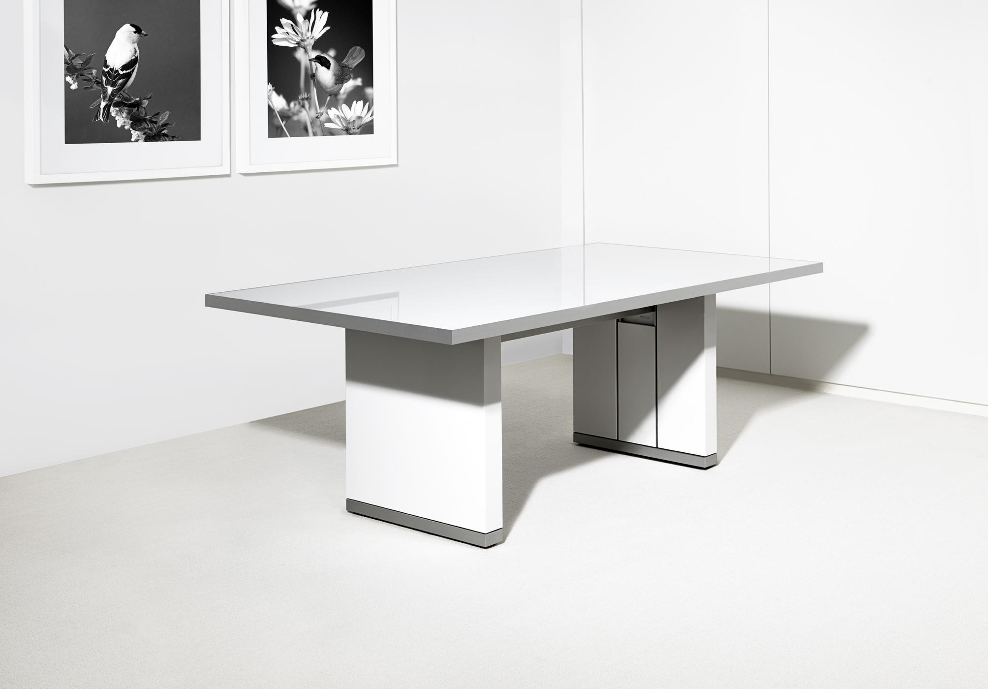 Motus tables are available with glass surfaces in any color tone.