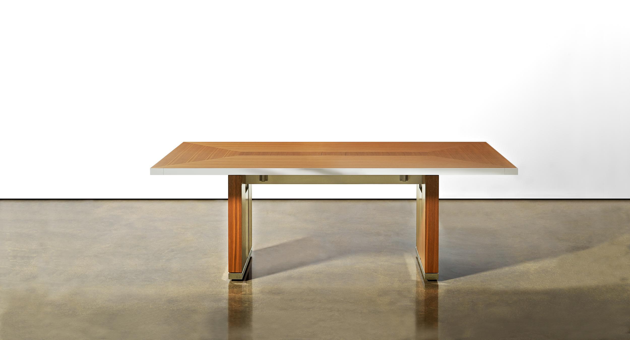 Motus Mobile Table With Veneer Pattern Surface