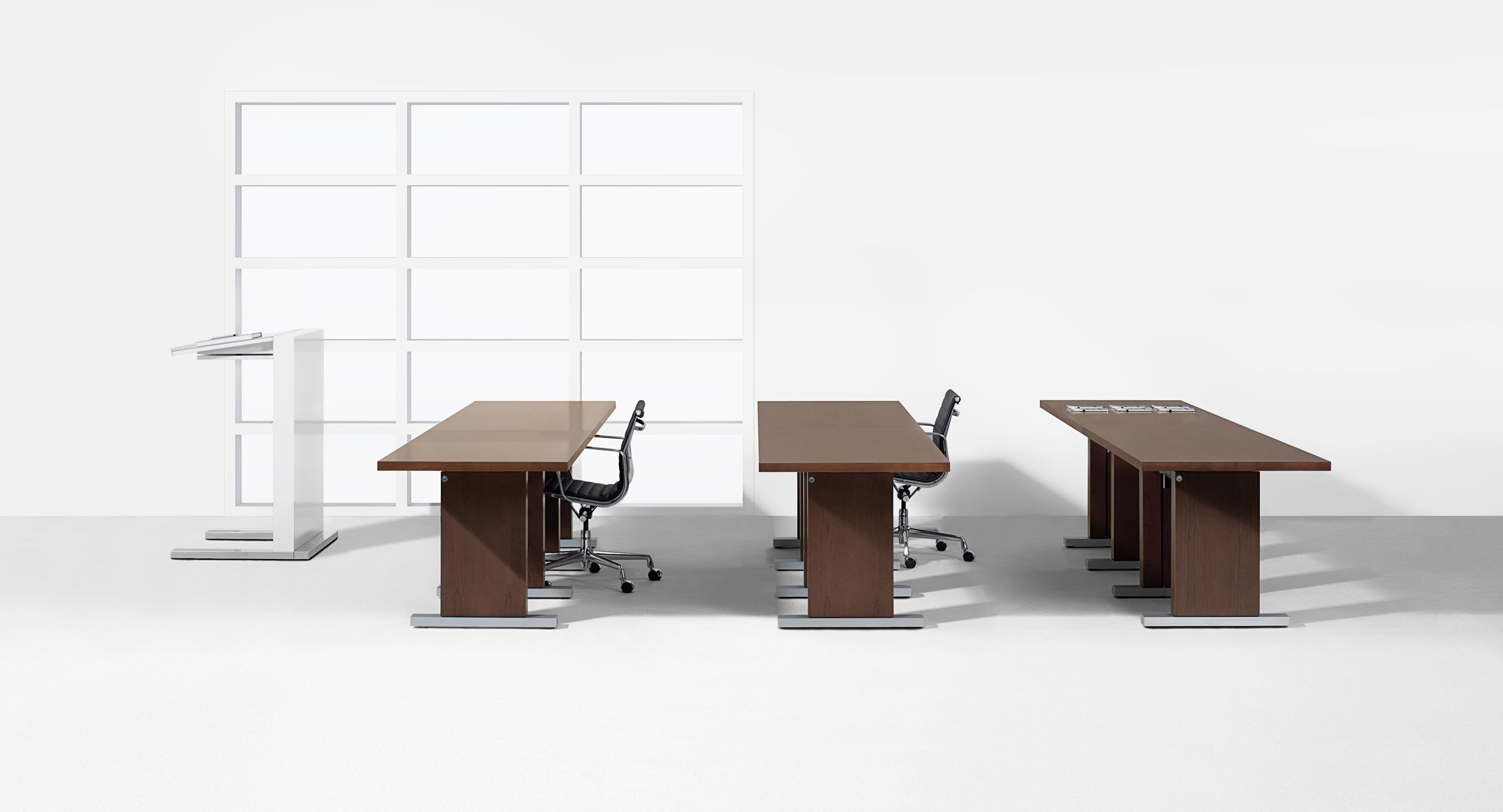 Motus T-base tables are excellent for training configurations.