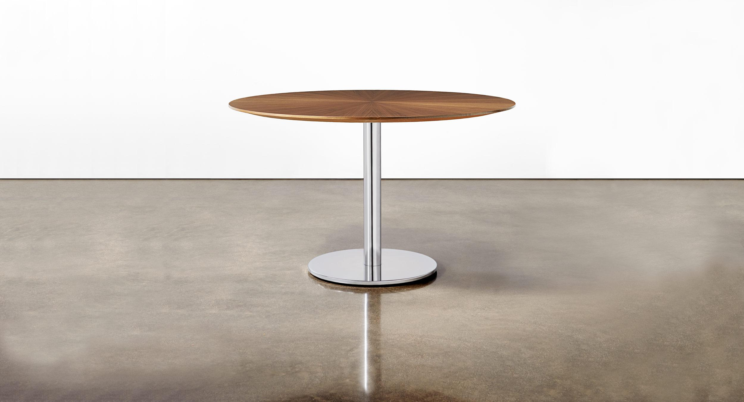 Sunburst veneer table with Disc base