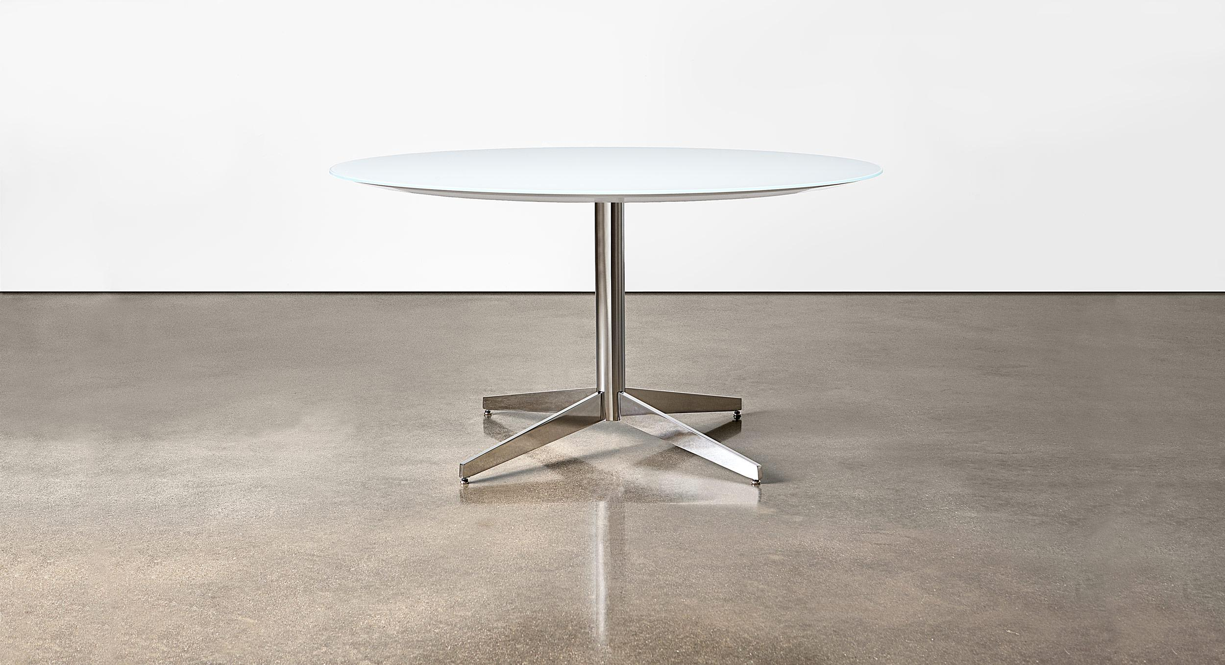 Glass table with Prong base