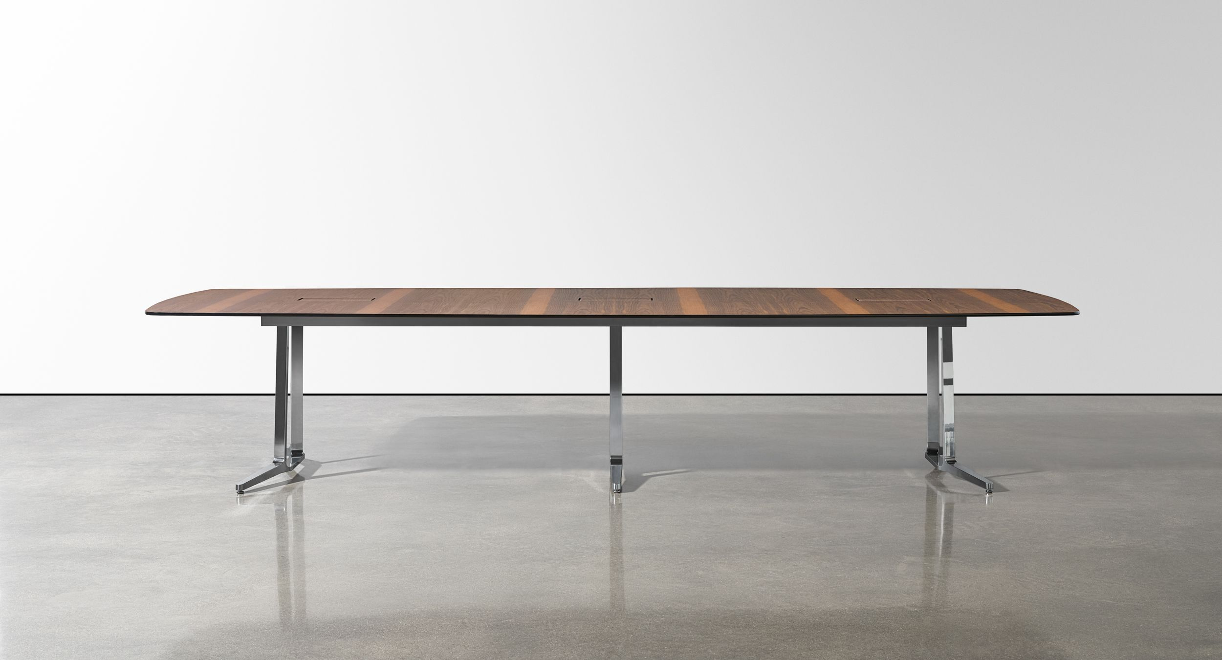 SKILL conference tables offer a beautiful, light-scale aesthetic.
