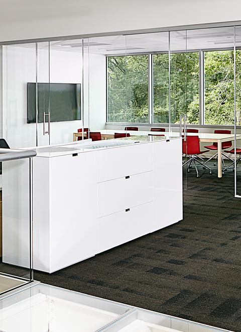 Visually-connected space becomes truly unified when materials and quality are applied with consistency across private office, open plan, and meeting spaces.