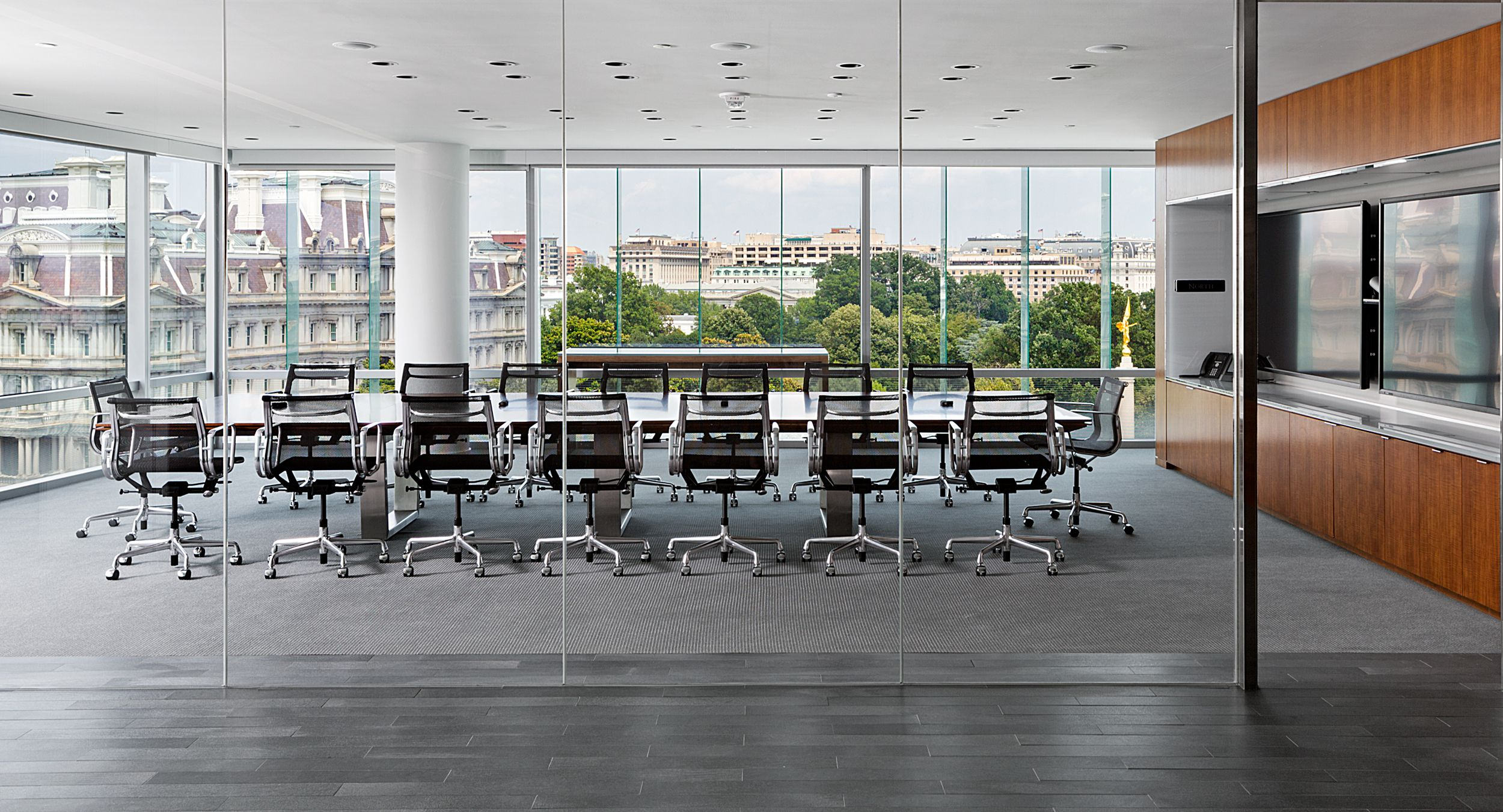MESA conference tables were provided with light-scale metal bases to enhance the dramatic, open-air space.
